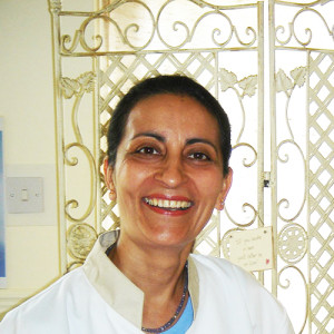 dr-simi-in-east-grinstead